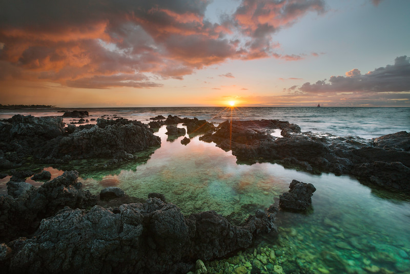 One of the many sunsets we enjoyed during our honeymoon on the Big Island. I learnt that flip flops are the worst things to wear whilst scrabbling over sharp lava rocks. Ouch! It's all worth it for the shot, isn't it? Canon 5DMK3 + 16-35mm f/2.8 + Circular Polarizer, 1.0s at f/14, ISO 100. Tripod: Really Right Stuff TVC-23 + BH-55 Pro, Remote Canon TC-80N3.